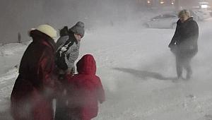 Erzurum'da eğitime kar tatili